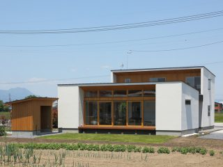 柴崎町のコートハウス